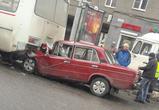 Появились фото страшного ДТП в центре Воронежа: «шестерка» протаранила ПАЗ