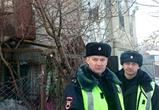 Воронежские полицейские спасли от гибели на пожаре девочку и пенсионерку