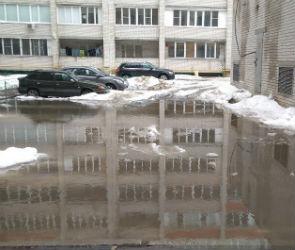 Воронежцы в сети выкладывают фото затопленных дворов и улиц