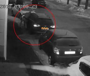 Орудующий в Северном районе Воронежа автограбитель попал на видео