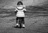 В Воронеже сотрудники Росгвардии нашли потерявшуюся 5-летнюю девочку