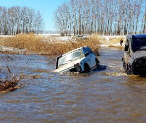 Снег, грязь и утонувшая «Нива»: как отдыхают воронежские любители офф-роуда