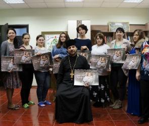 Развиваться и расти: проект помощи одиноким мамам Воронежа набирает обороты