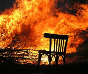 В Лискинском районе молодой любовник сжег дачу сожительницы