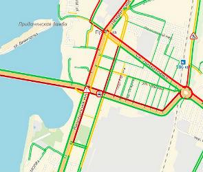 Чернавский мост парализован из-за ДТП и неисправного светофора