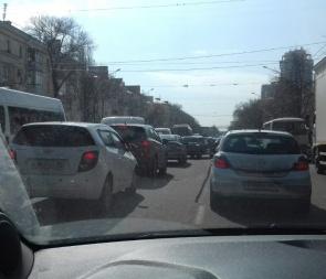 Воронежцы жалуются на 8-балльные пробки и требуют вернуть Гордеева