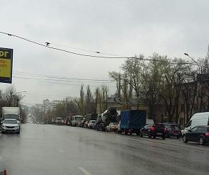 Воронежцы сообщают о коллапсе в районе «Крестов» и жалуются на 8-балльные пробки