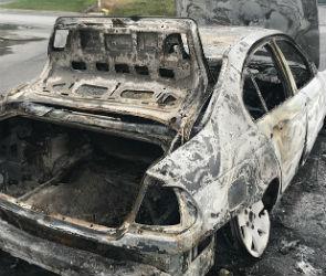 Под Воронежем автомобилистка сгорела заживо в своей машине