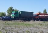 Трассу Курск-Воронеж перекрыли из-за крупного ДТП с фурами и легковушками - фото