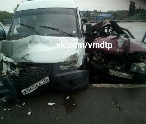 В страшной аварии на Петровской набережной погиб 32-летний автомобилист