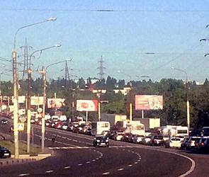 В Воронеже пробки парализовали набережную, два моста и левый берег - фото