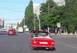 Фото с красным «ВАЗ-кабриолет», разъезжающим по Воронежу, появились в Сети