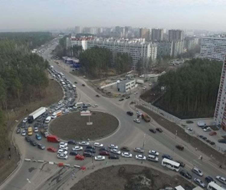 В Воронеже на 3,5 недели перекроют еще один участок возле развязки на 9 Января