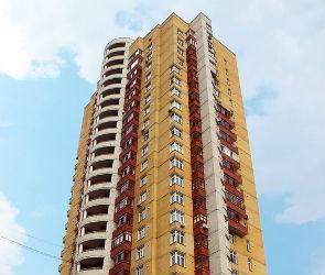В Воронеже в квартире 17-этажки, из которой выпала девушка, нашли труп мужчины