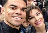 Футболисту сборной Португалии Пепе подарили платок с изображением Воронежа