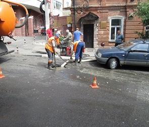 Дорожники спровоцировали разлив фекальной «реки» в центре Воронежа