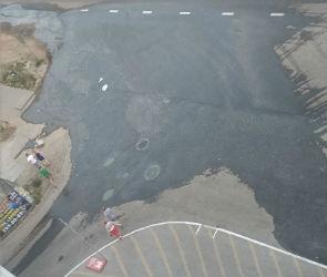 Воронежцы жалуются на магазин «Пятью пять», который заливает водой новый квартал