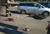 Очевидцы: подросток на скутере, которого переехал автобус, погиб