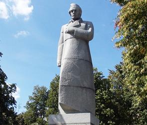За перенос памятника Кольцову к «Галерее Чижова» мэрия Воронежа заплатит 1,5 млн