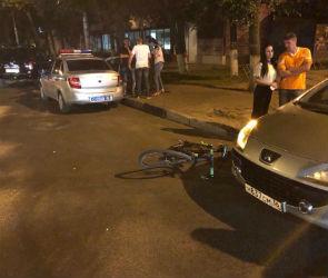 В Воронеже автомобилистка на иномарке сбила велосипедиста