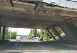 Фура с экскаваторами разбила виадук в Воронеже