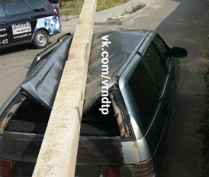 В Воронеже упавшая со стройки ГК «Развитие» бетонная балка раздавила машину