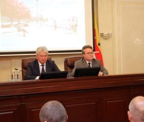 Мэр Воронежа представил двух новых чиновников горадминистрации
