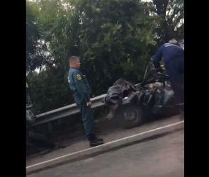 На видео попала страшная авария с двумя погибшими под Воронежем
