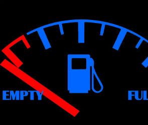 Воронежских водителей предупреждают о ворах, сливающих бензин