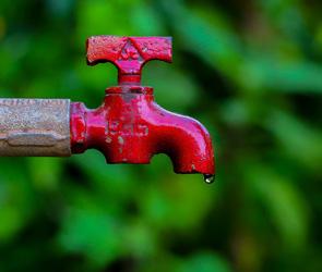 В Воронеже из-за перекрытия водоснабжения организуют подвоз воды – список мест