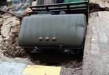 В Воронеже грузовик провалился под землю