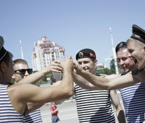 В день ВМФ воронежцы увидят «Петровскую регату» с «Драконами» и праздник Нептуна