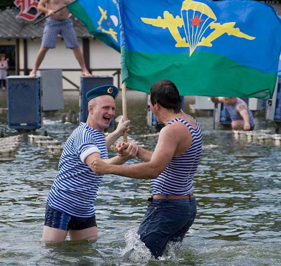 Воронежцам обещают не отключать фонтаны в День ВДВ, но советуют не плавать