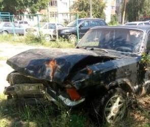Мэрия показала, какие машины в Воронеже эвакуируют на стоянку как автохлам