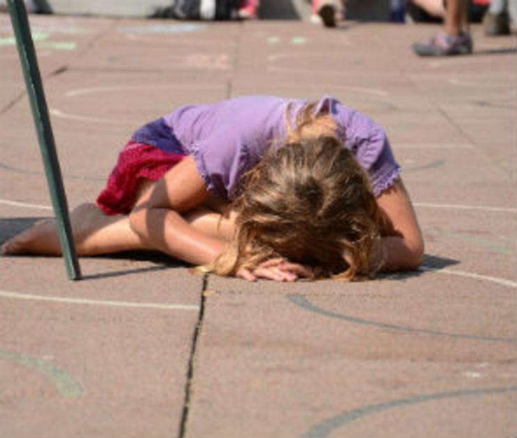 В Воронежской области мать выгоняла из дома, избивала и не кормила 9-летнюю дочь