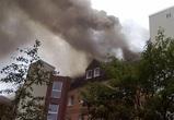 Полсотни спасателей тушили загоревшуюся в центре Воронежа квартиру