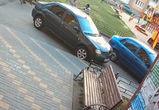 На видео попало избиение таксиста неадекватным водителем «Шкоды»