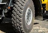 В Воронеже отлетевшее колесо фуры сломало пешеходу ребра