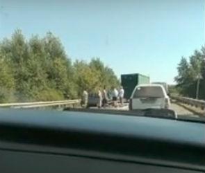 В Сети появилось видео с места страшного ДТП с оторвавшимся прицепом
