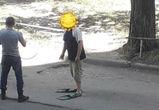 В воронежском дворе сфотографировали парня в ластах