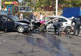 Появились фото массового ДТП на Чижовке в Воронеже: 6 ранено, в том числе дети