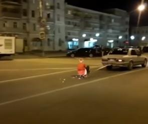 Воронежцы сняли на видео Деда Мороза, промчавшегося на привязанных к авто санях