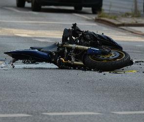 Под Воронежем мотоциклист и его пассажир погибли в ДТП с грузовиком