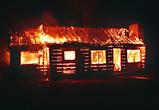 Следователи выясняют обстоятельства гибели женщины на пожаре под Воронежем