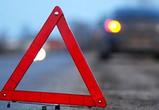 В Воронеже иномарка сбила двух дорожников и врезалась на «встречке» в ВАЗ