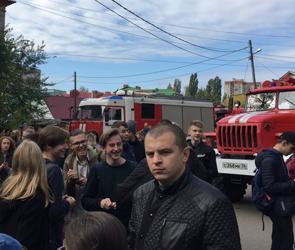 В сети обсуждают эвакуацию одной из воронежских школ в субботу 6 октября