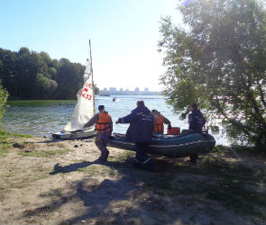 В Воронеже спасли хозяина яхты, перевернувшейся на водохранилище