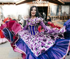 Ай-нанэ-нанэ и ВИА «Василек»: как прошел OKTOBERFEST-2018 в парк-отеле ТайGА