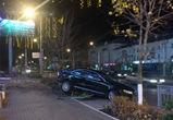 В Воронеже у «Галереи Чижова» водитель иномарки врезался в ограждение и сбежал