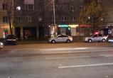 В центре Воронежа произошло массовое ДТП с  машиной ДПС (фото, видео)